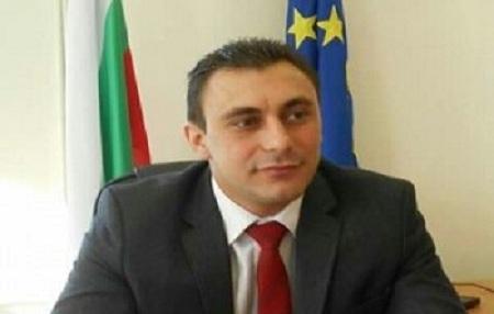 Емил Костадинов