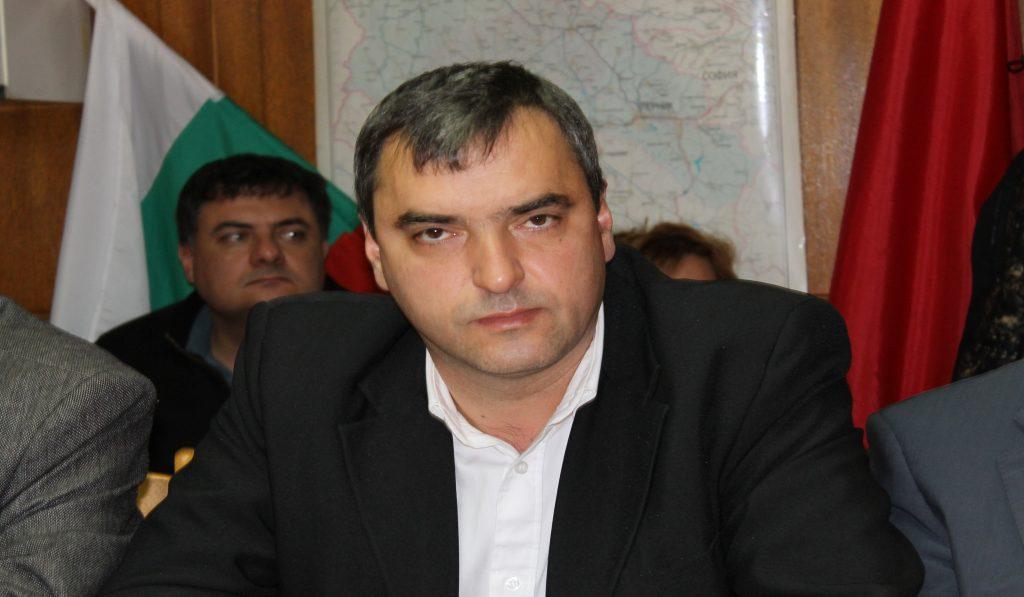 Кирил Леонов