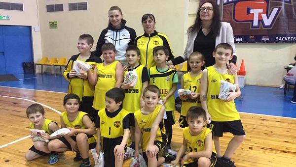 баскетбол деца